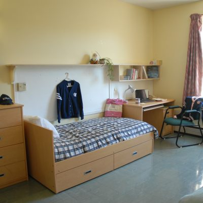 Alexandra Hall double room (1 of 2)
